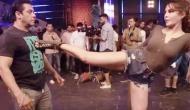 Video: जैकलिन ने सलमान को मारी किक, दबंग खान ने दिया ऐसा रिएक्शन