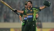 जब मैदान में गेंदबाजों को रुला रहे थे शाहिद अफरीदी, तभी रवि शास्त्री को सूझा ये नाम