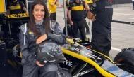 सऊदी अरब: 60 साल बाद बैन हटते ही इस महिला ने सड़कों पर दौड़ाई फॉर्मूला वन रेसिंग कार