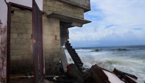 Kerala's climate refugees increase as the sea eats into the coast