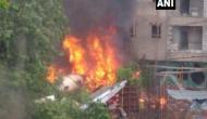 मुंबई: रिहायशी इलाके में बिल्डिंग से टकराया यूपी सरकार का चार्टर्ड प्लेन, 5 लोगों की मौत