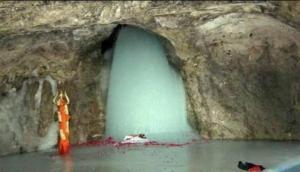 अमरनाथ में पहली बार दिखा ऐसा अद्भुत नजारा, पुजारी भी रह गए हैरान