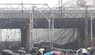मुंबई में अंधेरी स्टेशन पर बड़ा हादसा, फुटओवर ब्रिज गिरने से वेस्टर्न रेल लाइन ठप