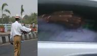 Video: कांग्रेस नेता ने ट्रैफिक पुलिसकर्मी से की बदतमीजी, औकात दिखाने की दी धमकी