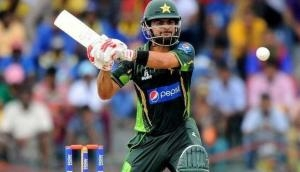 Pakistani cricketer Ahmed Shehzad charged with ball tampering during Quaid-e-Azam Trophy