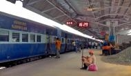 रेलवे ने ऑनलाइन टिकट बुक करने वालों को दिया बड़ा झटका, सितम्बर से बंद हो जाएंगी ये मुफ्त सेवाएं