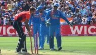 T20 में बिना बल्ले के धोनी ने ठोकी 'हाफ सेंचुरी', 1 मैच में बनाए 2 वर्ल्ड रिकॉर्ड