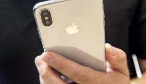 एक नहीं, दो नहीं, तीन कैमरे लेकर आएगा Apple iPhone X !