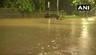 भारी बारिश से थमी मुंबई, हाई टाइड का अलर्ट जारी