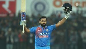 Asia cup 2018: रोहित शर्मा पाकिस्तान के खिलाफ इतने रन जड़ते ही वीरेंद्र सहवाग के क्लब में होंगे शामिल