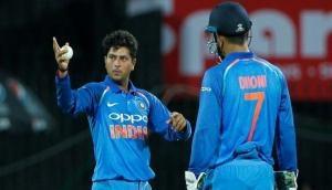 धोनी की नहीं मानी बात तो पिट गए कुलदीप यादव, फिर माही ने कहा- पागल हूं जो 300 वनडे खेले हैं