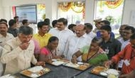 CM नायडू ने आंध्र प्रदेश में 'अन्ना कैंटीन' शुरू कर पूरा किया वादा, दो लाख लोगों को मिलेगा सस्ता भोजन