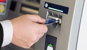हैकर्स ने ATM इस्तेमाल करने के बाद मशीन से 100 लोगों की डिटेल चुराकर उड़ा दिए 15 लाख रुपये