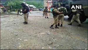 जम्मू-कश्मीर: CRPF पर बड़े हमले में दो जवानों की मौत, आतंकियों ने 10 मिनट तक तड़तड़ाई गोलियां