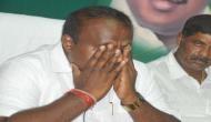 कर्नाटक: सीएम कुमारस्वामी रोते हुए बोले- गठबंधन सरकार का विष पी रहा हूं