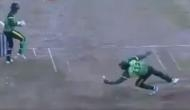 Video: गेल ने एक हाथ से पकड़ा ऐसा कैच कि देखकर हक्के-बक्के रह गए बल्लेबाज और विकेटकीपर