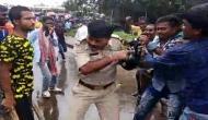 बंगाल: PM मोदी की रैली में जाने से रोका तो बीजेपी समर्थकों ने पुलिसवाले को दौड़ा-दौड़ा कर पीटा