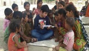 125 गांव के गरीब बच्चों के लिए किसी मसीहा से कम नहीं हैं ये 13 साल के 'छोटे मास्टरजी'