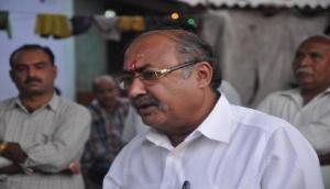 गुजरात: BJP के पूर्व विधायक जयंती भानुशाली की चलती ट्रेन में हुई हत्या