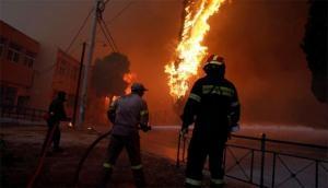 Visakhapatnam: Fire breaks out in Sri Kanya Cinema Hall