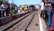 खचाखच भरी लोकल ट्रेन में दरवाजे पर लटके हुए थे यात्री, सामने आया रूह कंपा देने वाला मंजर