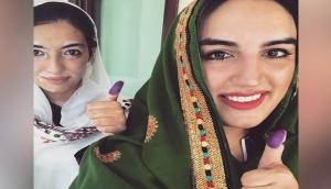 Benazir Bhutto's daughters cast votes in Sindh's Nawabshah
