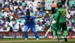 एशिया कप: माइक हसी ने गेंदबाजों को फखर जमान से निपटने की दी सलाह