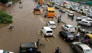 दिल्ली-एनसीआर: दो दिन की बारिश से जीवन अस्त व्यस्त, हथिनी कुंड से छोड़ा गया 1,15,000 क्यूसेक पानी