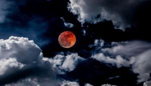 Chandra Grahan 2018: चंद्र ग्रहण से जुड़े हैं कई मिथ, आप कर सकते हैं नजरअंदाज