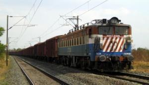 भारतीय रेलवे की ट्रेन बनी 'कछुआ', 1400 किलोमीटर पहुंचने में लगाए 4 साल