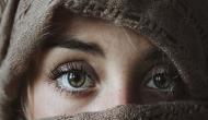 लड़की की आंखें देखकर मधुमक्खियां हो गई मदहोश, आंखों मे घुसकर की ऐसी दर्दनाक हरकत
