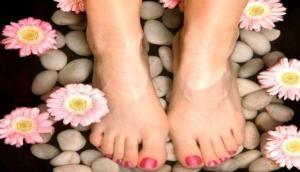 मानसून के सीजन में ऐसे रखें अपने पैरों का ख्याल, पास नहीं आएंगी ये बीमारियां