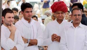 राजस्थान: अशोक गहलोत खुद ही बन बैठे CM पद का चेहरा, कांग्रेस में मच गया बवाल