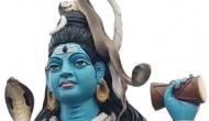 Video: सावन के पवित्र पवित्र महीने में भगवान शिव के गले में लिपटा कोबरा