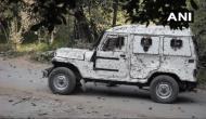शोपियां: 5 आतंकियों के एनकाउंटर के बाद सेना पर भारी पत्थरबाजी, फेंके गए पेट्रोल बम