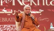 Watch Javed Akhtar reciting his grandfather's poetry 'Use kyun humne diya dil'