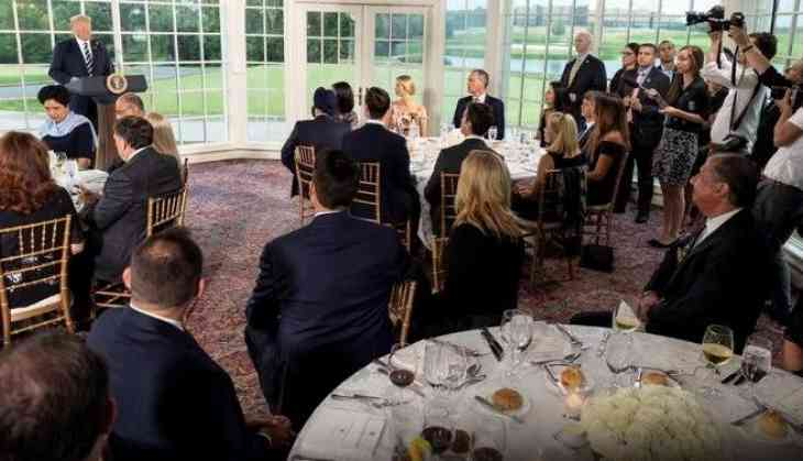 Indra Nooyi and Ajay Banga gathered at dinner party hosted by United ... 10e994ef8