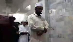मस्जिद में नमाज पढ़ रहे इमाम की आंखों के सामने आया दिल दहला देने वाला मंजर और फिर…