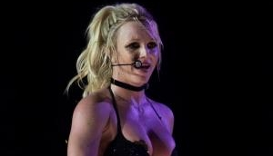Britney Spears flashes her ni**le covers during 'Piece Of Me Tour' in Germany