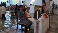 VIDEO: इस कपल को शादी करने से भयकंर तूफान और तेज बारिश भी नहीं रोक पाया