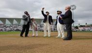 India vs England: इंग्लैंड ने जीता टॉस, कोहली ने तीन खिलाड़ियों को दिखाया बाहर का रास्ता