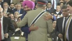 Navjot Singh Siddhu's slogan for 2019 'bure din jane wale hain, Rahul Gandhi aane wale hain' says, 'Punjab CM is like my father;' see video
