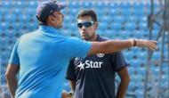 Video: आर अश्विन और रवि शास्त्री के बीच लगता है कुछ गड़बड़ है!