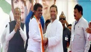 ओबीसी नेता अल्पेश ठाकोर को कांग्रेस में मिली बड़ी जिम्मेदारी, नीतीश को दे पाएंगे पटखनी!