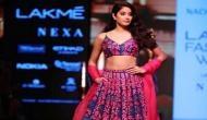 जाह्नवी ने रैम्प पर की धमाकेदार एंट्री के साथ वॉक, बजने लगीं सीटियां