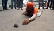PM मोदी से मिलने के लिए पुलिस ने रोका तो 276 किमी तक दंडवत लेटते हुए दिल्ली पहुंचा ये शख्स