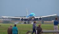14 साल के दो लड़कों ने चुराई एयरप्लेन और उड़ा ले गए साथ फिर...