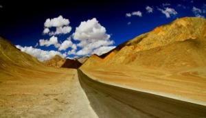 भारत में मौजूद है एक ऐसी जगह जहां बिना पेट्रोल-डीजल के आराम से चलती है गाड़िया