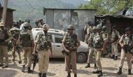 कश्मीर: शोपियां में आतंकियों ने की 4 पुलिसवालों की हत्या, सर्च ऑपरेशन जारी