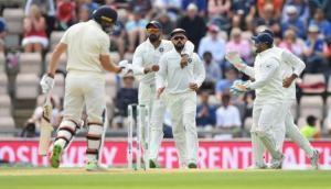 India vs England: बुमराह, शमी और इशांत के चक्रव्यूह में फंसा इंग्लैंड, इतने रन पर गिरे सभी विकेट